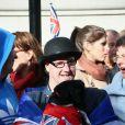 Ambiance aux abords du palais Saint James le 23 octobre 2013 pour le baptême du prince George de Cambridge.