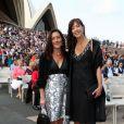Les deux soeurs de la princesse Mary de Danemark, Patricia Bailey et Jane Stephens, prenaient également part au gala des 40 ans de l'Opéra de Sydney, marqué par un concert dans la cour intérieure, le 27 octobre 2013.