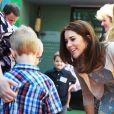 La princesse Mary de Danemark visitant avec le prince Frederik l'hôpital pour enfants de Sydney, le 26 octobre 2013