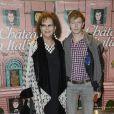 """Claudia Cardinale et Alexandre Styker lors de la première du film """"Un château en Italie"""" à Paris, le 29 octobre 2013."""