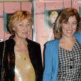 """Valeria Bruni-Tedeschi et sa mère Marisa Borini lors de la première du film """"Un château en Italie"""" à Paris, le 29 octobre 2013."""