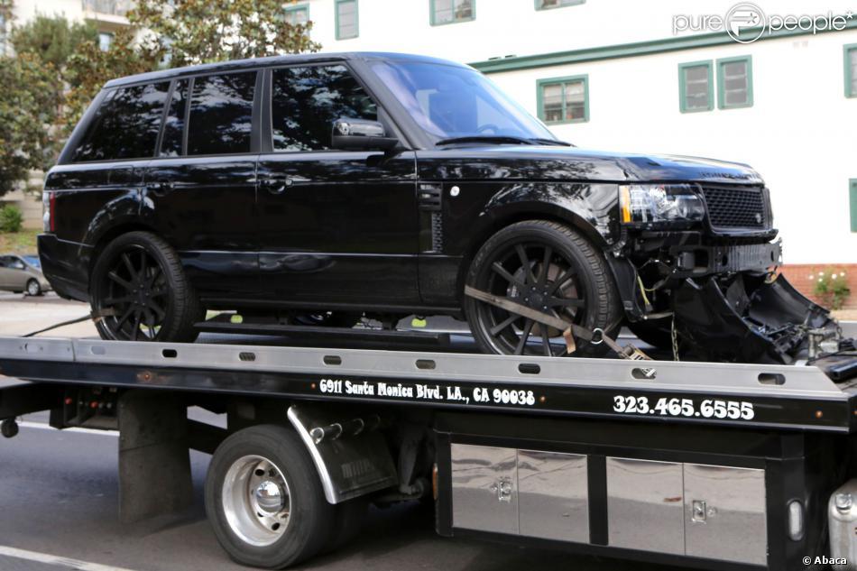 david beckham accident sa voiture emmen e au garage dans un sale tat purepeople. Black Bedroom Furniture Sets. Home Design Ideas