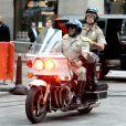 """Erik Estrada et Carson Daly sur l'emission """"Today"""" show a New York le 31 octobre 2013."""