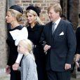 Le roi Willem-Alexander et la reine Maxima dans la peine... Famille royale, amis et collègues honoraient la commémoration solennelle du prince Friso d'Orange-Nassau, décédé le 12 août et enterré le 16 août, le 2 novembre 2013 en la Vieille Eglise de Delft (La Haye).