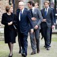La princesse Margriet des Pays-Bas et son époux Pieter van Vollenhoven, suivis de leurs fils avec leurs épouses. Famille royale, amis et collègues honoraient la commémoration solennelle du prince Friso d'Orange-Nassau, décédé le 12 août et enterré le 16 août, le 2 novembre 2013 en la Vieille Eglise de Delft (La Haye).