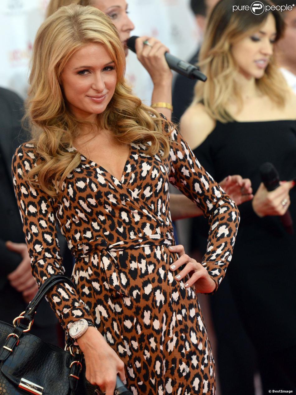 Paris Hilton inaugure son étoile sur le Walk of Fame de Moscou, le samedi 2 novembre 2013.