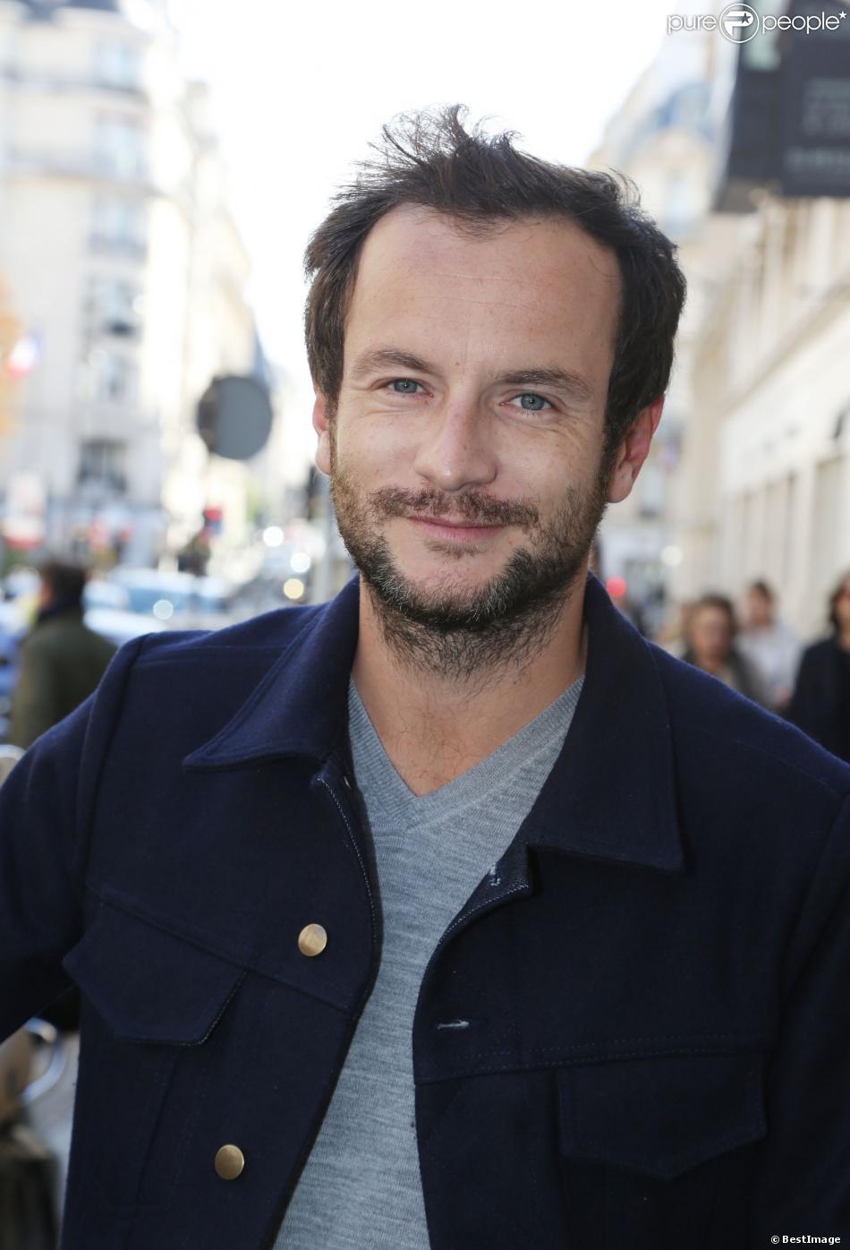 Exclusif - Jérémy Michalak - People arrivant à un enregistrement à la Radio Europe 1 à Paris, le 23 octobre 2013.