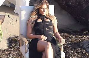 Kim Kardashian : Sexy sur une plage pour un shooting en famille