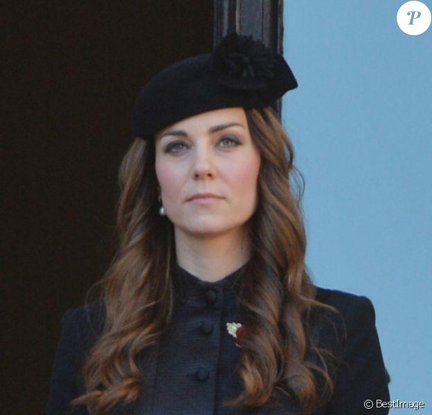 Kate Middleton, duchesse de Cambridge, lors des cérémonie du Remembrance Day au Cénotaphe de Whitehall à Londres, le 10 novembre 2013