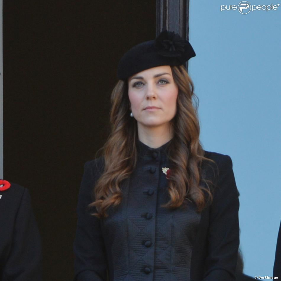 Kate Middleton, duchesse de Cambridge, lors des cérémonie du Remembrance Day au Cénotaphe de Whitehall à Londres, le 10 novembre 2013