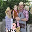 Tori Spelling et Dean McDermott fête le premier anniversaire de leur fils Finn et les deux ans de leur fille Hattie à Underwood Farms. Los Angeles, le 8 novembre 2013.