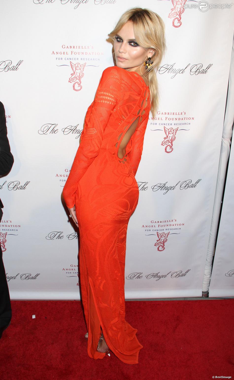 "Natasha Poly - Soirée ""Angel Ball"" à New York, le 22 octobre 2012."