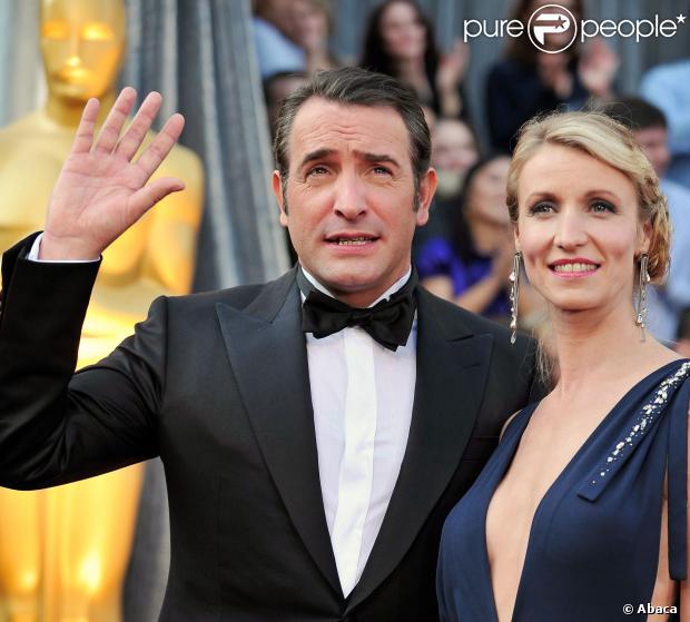 Alexandra Lamy et Jean Dujardin arrivant à la 84e cérémonie des Oscars le 26 février 2012