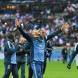 Karim Benzema et les Bleus après la victoire de l'équipe de France sur l'Ukraine (3-0) qui lui offre la qualification au mondial 2014 au Brésil, le 19 novembre 2013 au Stade de France à Saint-Denis