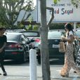 Kylie Jenner et Jaden Smith en pleine séance shopping à West Hollywood, le 19 novembre 2013.