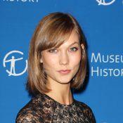 Karlie Kloss : Sirène glamour face à Tina Fey et Jemima Kirke, amoureuses