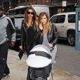 Kim Kardashian, stylée et nature, accompagnée de sa fille North, va déjeuner avec son amie LaLa Anthony à New York, le 22 novembre 2013 avant de se rendre au concert de Kanye West