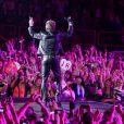 Exclusif : Johnny Hallyday à Bercy pour ses 70 ans, une entrée délirante dans la foule et un concert exceptionnel !