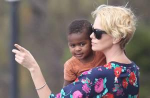 Charlize Theron : Maman rafraîchissante, elle ne lâche pas son adorable Jackson