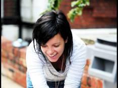 PHOTOS : Lily Allen fait le grand ménage dans sa vie, et ça ne rigole pas !