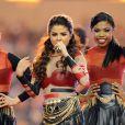 Selena Gomez se produit au AT&T Stadium à Dallas au Texas dans le cadre d'un match de football américain de la NFL, le jeudi 28 novembre 2013.