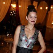 Marion Cotillard rayonne pour Dior devant Jamel Debbouze et Mélissa Theuriau