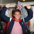 Tom Daley dédicace son livre My Story, à Londres, le 16 août 2012.