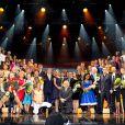 Le roi Willem-Alexander et la reine Maxima des Pays-Bas sur scène lors du concert marquant le lancement des célébrations pour les 200 ans du royaume des Pays-Bas, le 30 novembre 2013 au Théâtre Circus de Scheveningen (banlieue de La Haye).