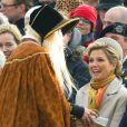 Le roi Willem-Alexander des Pays-Bas et la reine Maxima sur la plage de Scheveningen le 30 novembre 2013 pour la reconstitution du retour d'exil du prince Willem Frederik le 30 novembre 1813, qui allait fonder peu après le royaume des Pays-Bas.