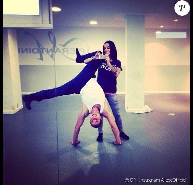 Alizée et Grégoire Lyonnet répètent la tournée Danse avec les stars depuis Ajaccio, le jeudi 5 décembre 2013.