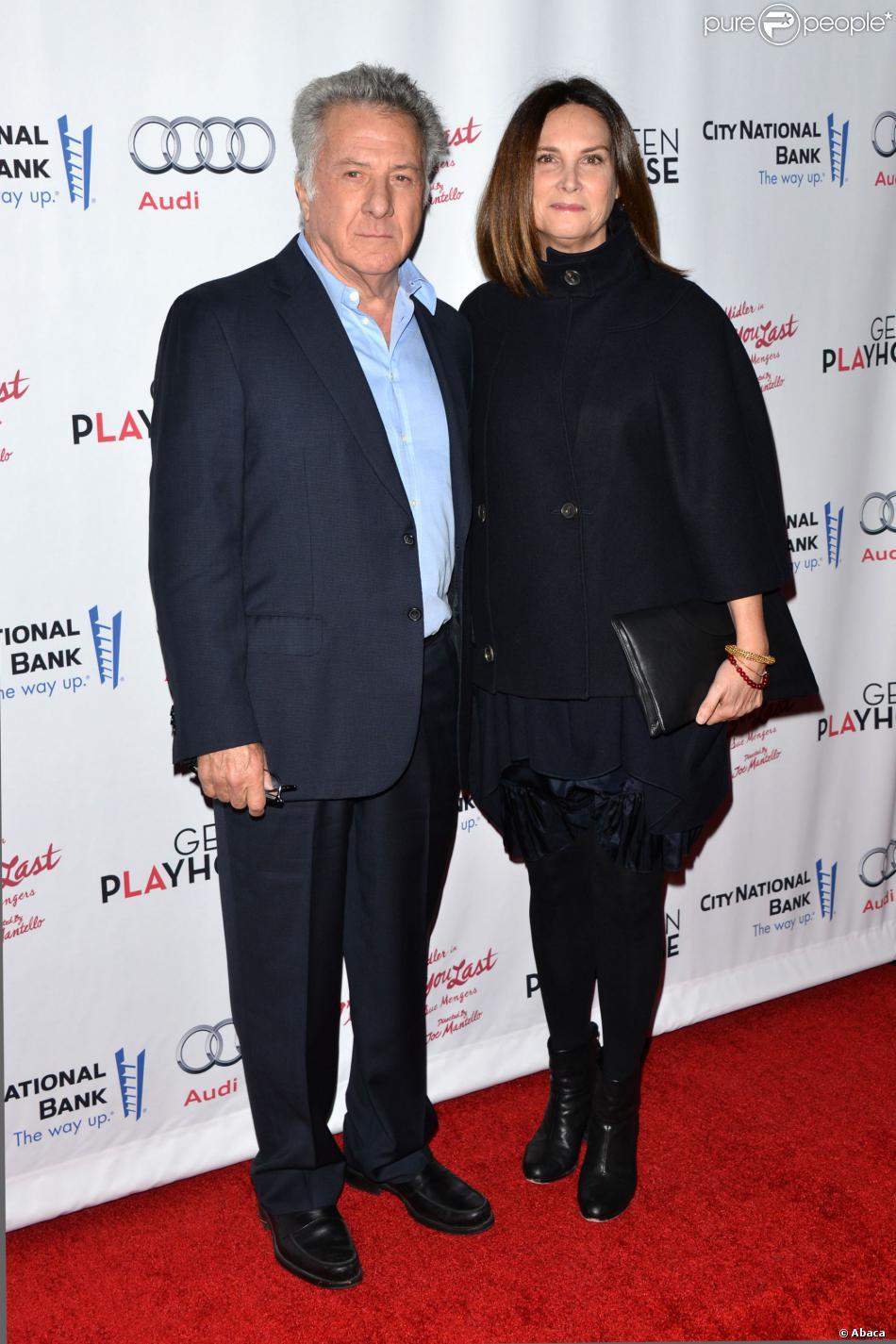 Dustin Hoffman et Lisa Gottsegen lors de la première de I'll Eat You Last: A Chat With Sue Mengers à Westwood, Los Angeles, le 5 décembre 2013.