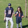 Exclusif - Mila Kunis et son petit ami Ashton Kutcher dans un parc à Los Angeles, le 1er decembre 2013.