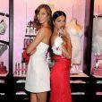 Les deux anges sexy Karlie Kloss et Adriana Lima prennent la pose pour une journée promo Victoria's Secret à New York. Elles ont rencontré la presse et leurs fans le 9 décembre à l'occasion de la diffusion du show annuel de la marque le 10 décembre 2013 sur CBS.