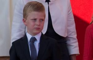 Emmanuel de Belgique, 8 ans : Un pied dans le plâtre et un double mystère...