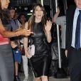 Jessica Biel ultra sexy en robe cuir & chevelure lissée