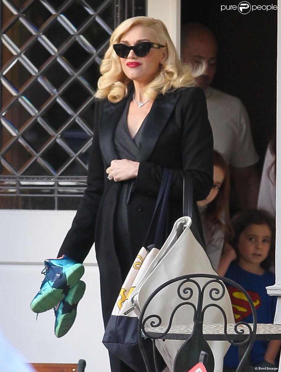Gwen Stefani, enceinte, et ses fils Kingston et Zuma passent la journée chez des amis à Los Angeles, le 21 decembre 2013