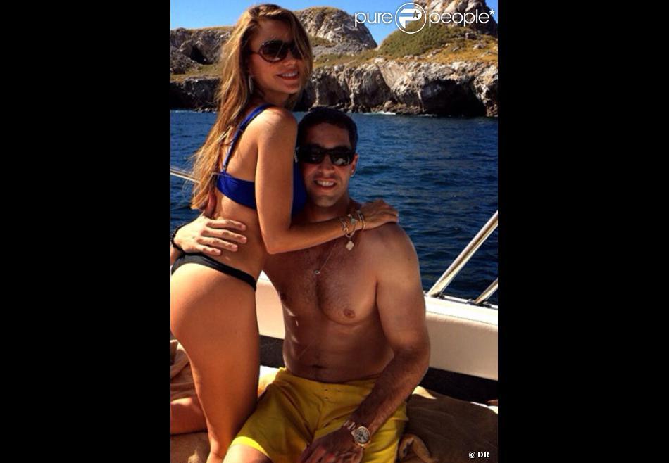 Sofia Vergara en vacances au Mexique en décembre 2013 et pas vraiment pudique dans les bras de son fiancé Nick Loeb Photo Twitter