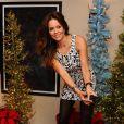 La jolie Brooke Burke-Charvet s'amuse lors d'une fête à son domicile de Malibu, le 19 décembre 2013.