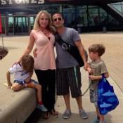 Dan Spitz (ex-Anthrax) et Candi : Noël a dégénéré, pour les parents dévoués