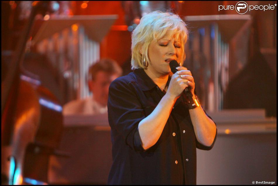 """Marie Myriam enregistre """"Les années bonheur"""" le 16 avril 2013."""