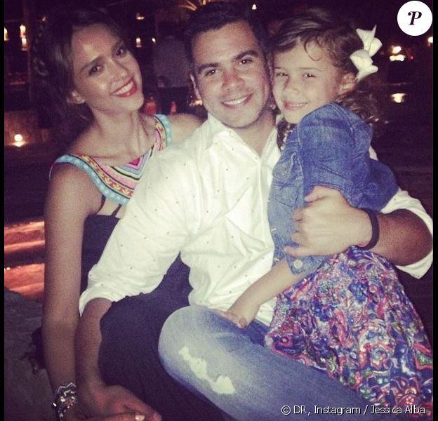Jessica Alba, son mari Cash Warren et leur fille Honor en vacances à Cabo San Lucas.