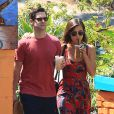 Justin Bartha et sa fiancée Lia Smith à Los Angeles le 6 juillet 2013.