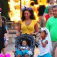 Mel B avec deux de ses filles Angel and Madison dans les rues de Los Angeles, le 26 juin 2013.