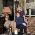 Exclu :Regine dans son salon à Paris et sa petite fille Daphné.