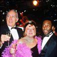 Régine avec Anthony Quinn et le roi Pelé