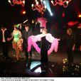 Régine sur la scène des Folies Bergère, spectacle mis en scène par Pierre Palmade.