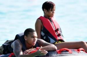 PHOTOS : Rihanna, ses vacances sexy et amoureuses avec Chris Brown !