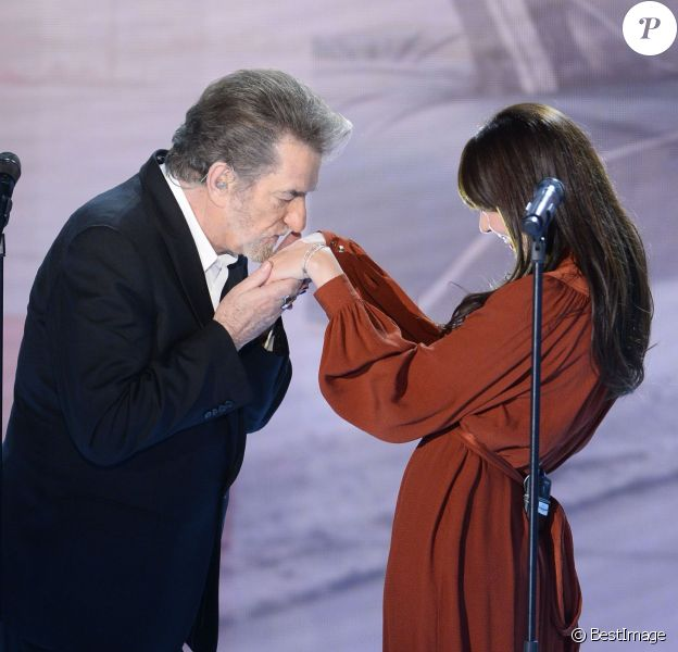 Eddy Mitchell et Nolwenn Leroy lors de l'enregistrement de l'émission Vivement dimanche le 22 janvier 2014 à Paris (diffusion sur France 2 le 26 janvier)