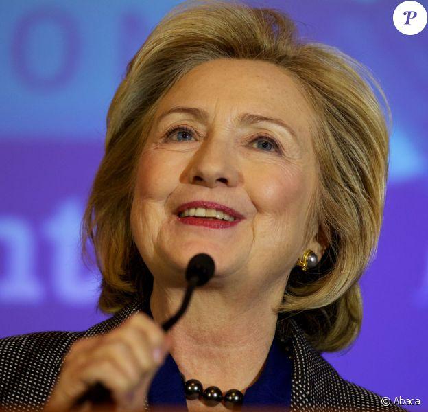 Hillary Clinton s'exprime lors de la remise de prix Tom Lantos Human Rights Prize, à Washington, le 6 décembre 2013.