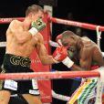 Gennady Golovkin et Osumanu Adama, lors du championnat du monde WBA des poids moyens à Monaco, le 1er février 2014